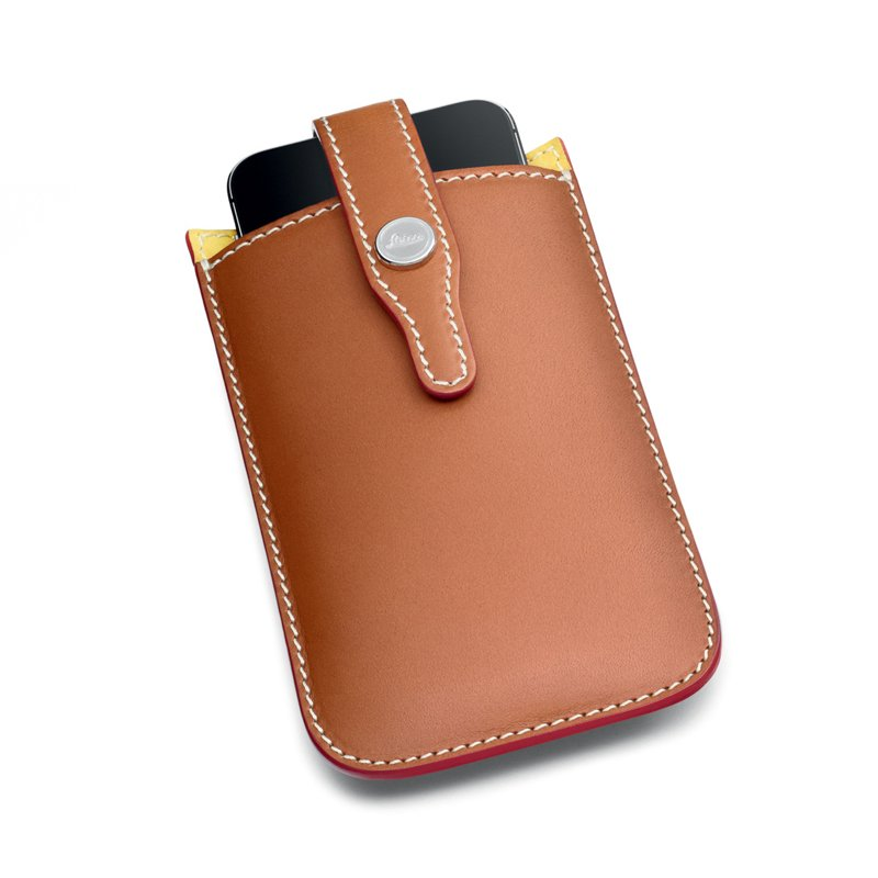 LEICA BULL LEATHER PHONE SLEEVE BY SCHEDONI, 4.7 INCH SCREEN
